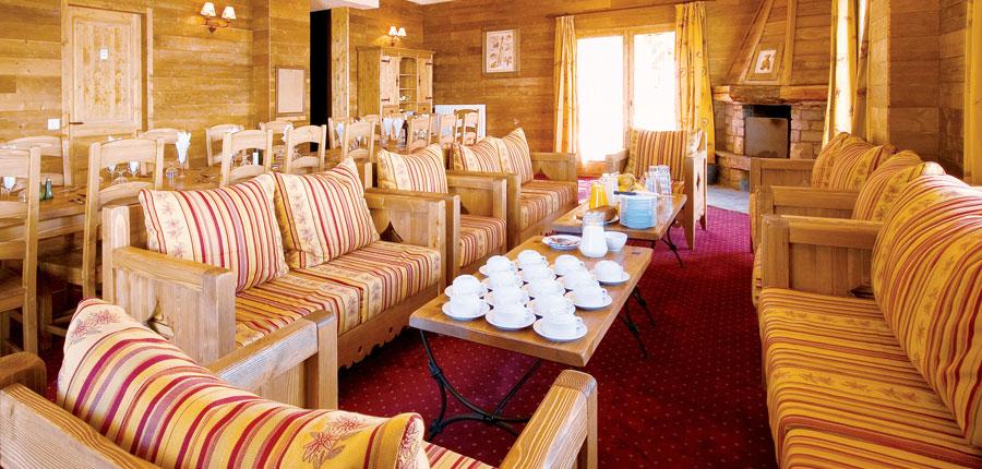 France_Les-Arcs_chalet_maximillian_lounge.jpg